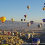 トルコ:カッパドキア】気球は必須でしょう。